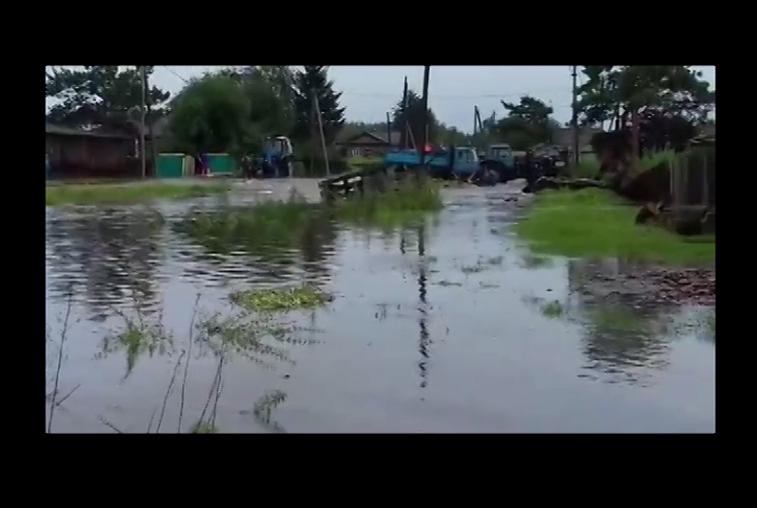 В Мазановском районе вода зашла в дома и на приусадебные участки