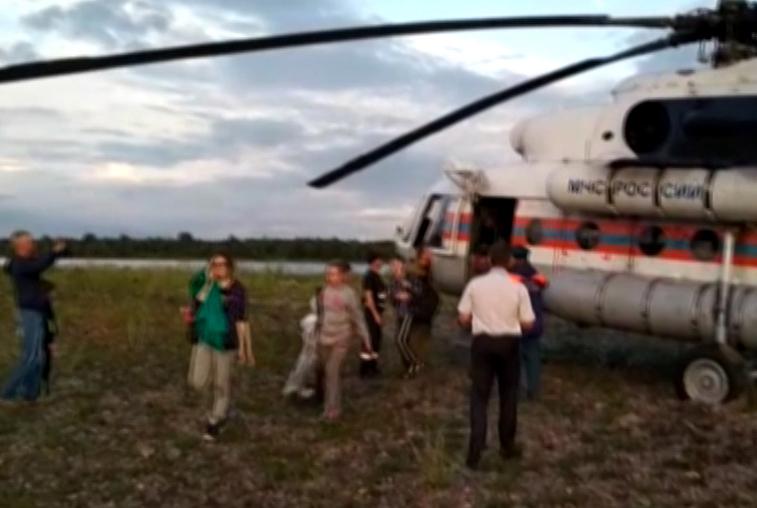 Туристов из горного приюта в Зейском районе эвакуировали на вертолете