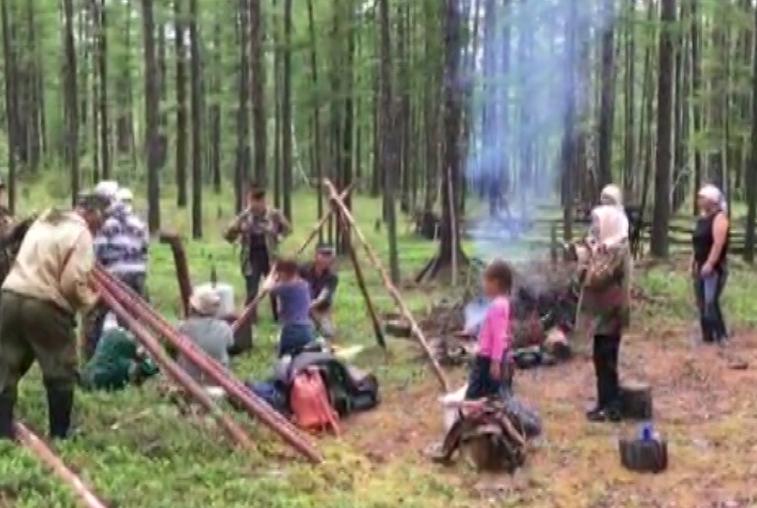 Юные эвенки приобщились к кочевой жизни предков