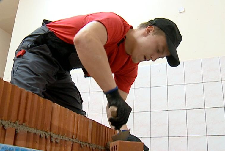 Каменщик и маляр из Приамурья готовятся к всероссийскому чемпионату рабочих профессий