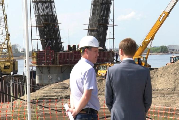 Глава Минвостокразвития оценил ход возведения трансграничного моста через Амур