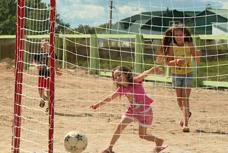 Детские площадки и стадион появились в селах Завитинского района