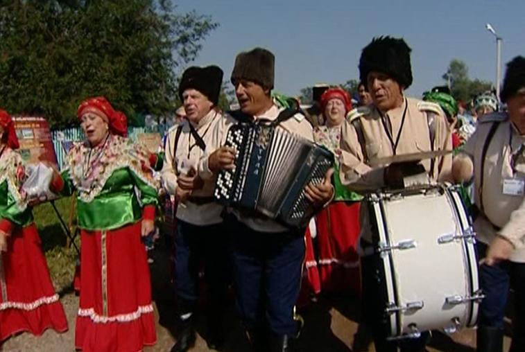 Казачий фестиваль «Албазинский острог» собрал около 3 тысяч человек