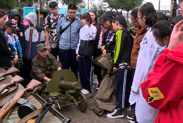 Китайские школьники побывали на экскурсии в благовещенском артиллерийском полукапонире