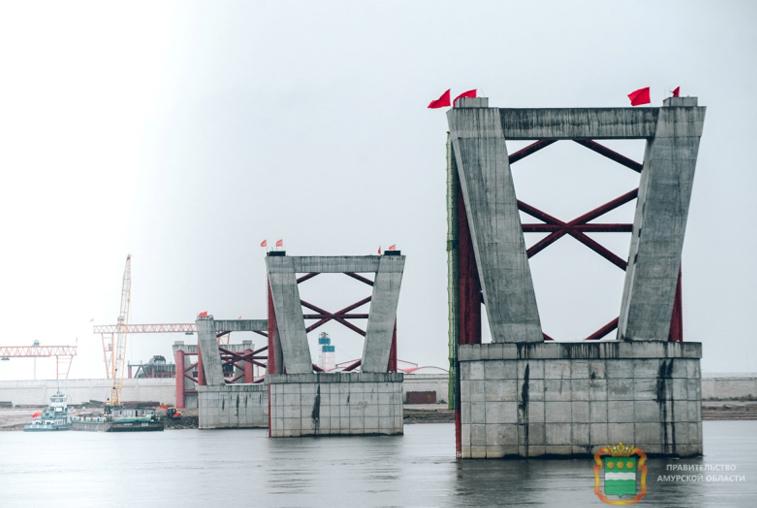 Российские специалисты побывали на китайской стройплощадке моста через Амур