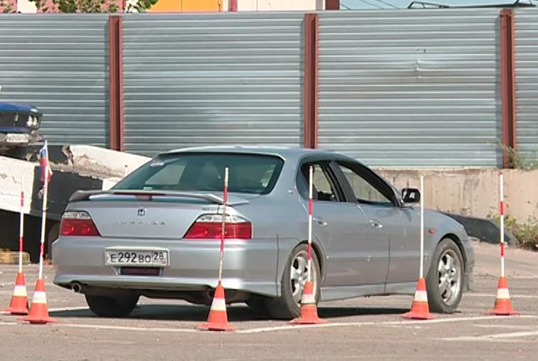 Самых умелых водителей легковых машин определили в Благовещенске