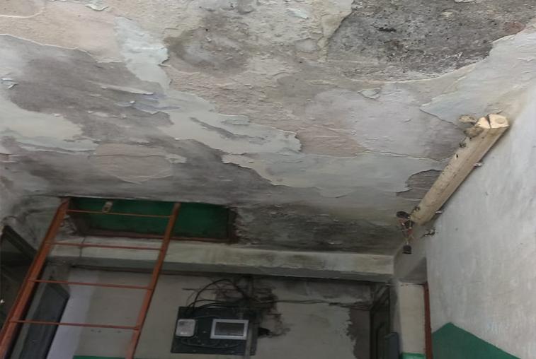 В селе Чалганы Магдагачинского района люди живут в аварийном доме