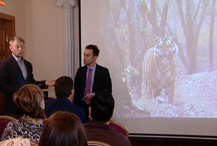Американский биолог провёл семинар о тиграх для школьников и студентов Благовещенска