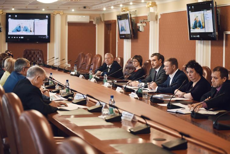 Переход на единые квитанции в сфере ЖКХ обсудили в амурском правительстве