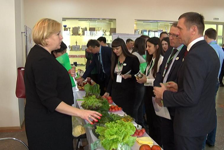 Развитие АПК, современные кадры, качество продуктов обсудили на форуме «Родная земля»