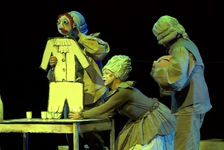 Премьера спектакля «Господа Скотинины» с аншлагом прошла в театре кукол