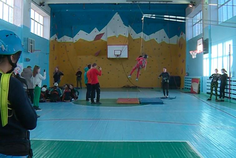 В соревнованиях по спортивному туризму в Благовещенске участвовали более 60 человек