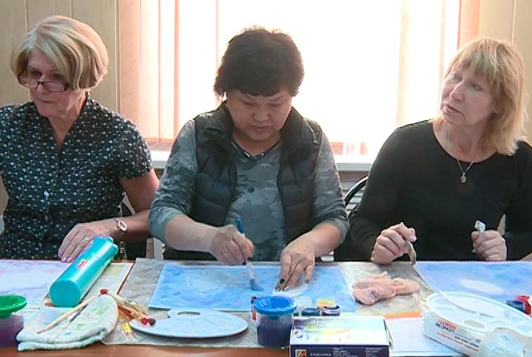 Школа живописи для пенсионеров открылась в Благовещенске