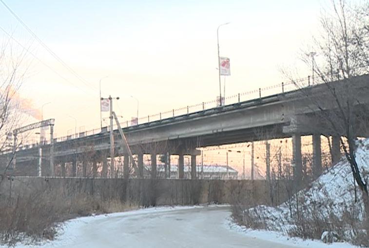 12 декабря в Белогорске перекроют движение по аварийному виадуку