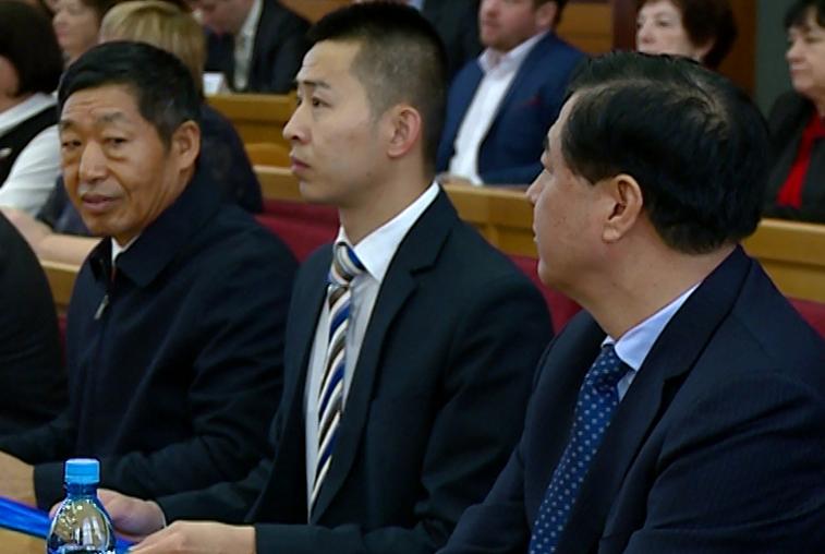 Парламентарии из Хэйхэ побывали на сессии амурского Заксобрания
