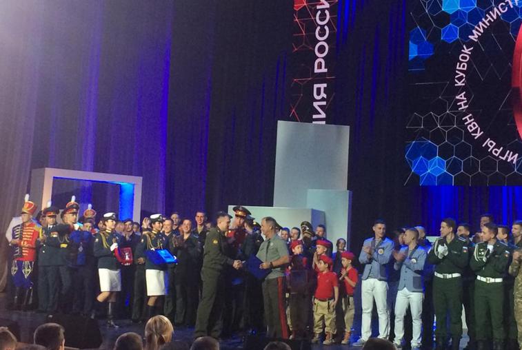 Команда «Осторожно, ДВОКУ!» стала третьей в финале армейской лиги КВН