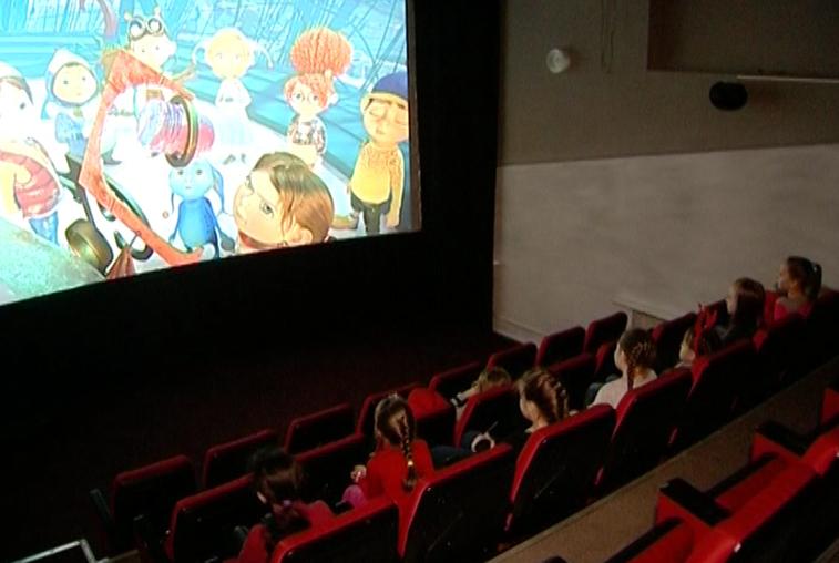 В открывшемся в Тамбовке 3D-кинотеатре ежедневно демонстрируют четыре фильма