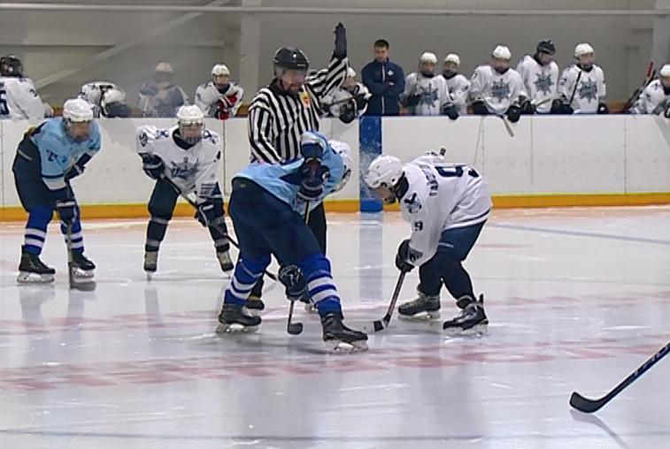 Второй этап первенства ДВ по хоккею с шайбой завершился неожиданно