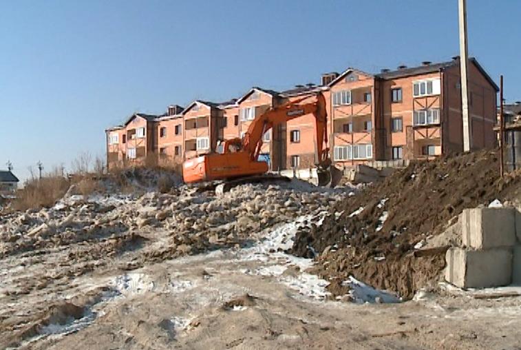 Горку из канализационных вод в Чигирях начали убирать