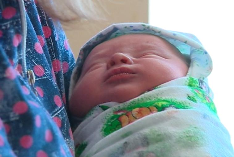 В Приамурье число родившихся мальчиков превышает количество девочек