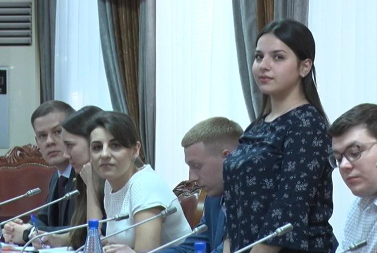 Уже 40 активистов пожелали работать в молодежном правительстве Амурской области