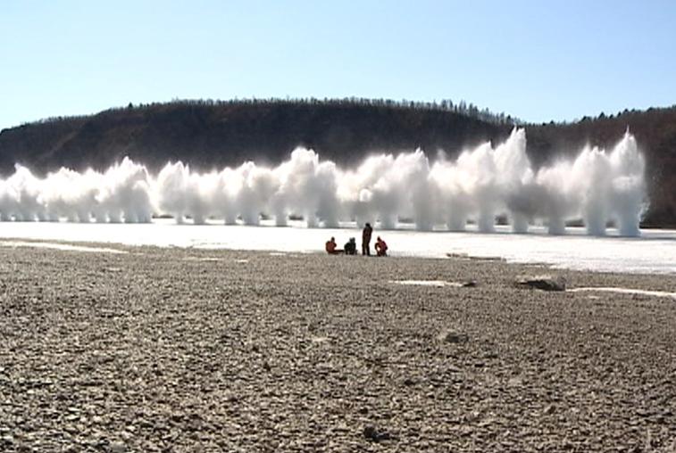 Чтобы предотвратить заторы во время паводка, на Амуре проведут подрывы льда