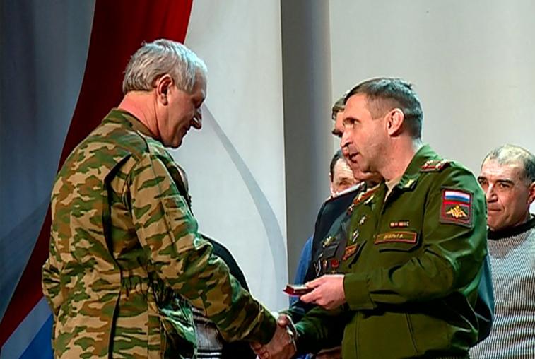 Около 700 ветеранов войны в Афганистане награждены юбилейными медалями