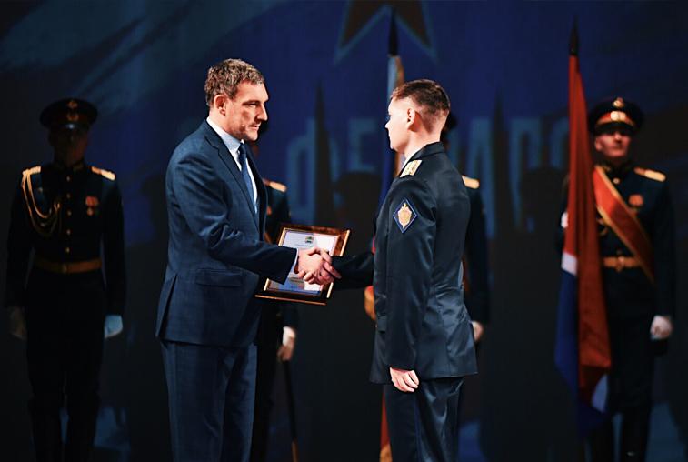 Василий Орлов поздравил военных на офицерском балу в Благовещенске