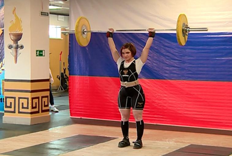 Тяжелоатлеты из семи городов Дальнего Востока приехали на турнир в Благовещенск