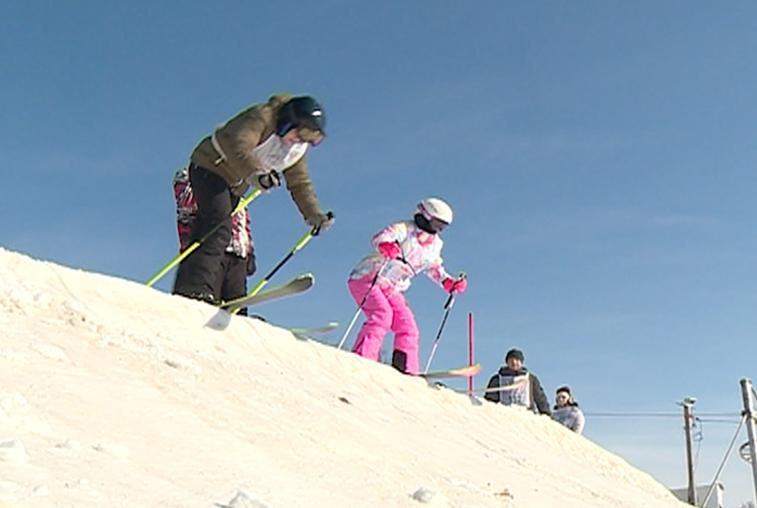 Благовещенские сноубордисты и горнолыжники закрыли сезон соревнованиями
