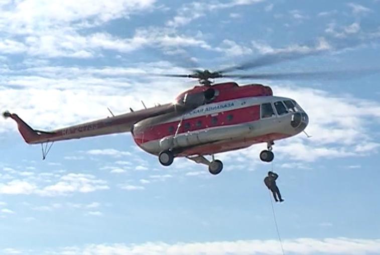 Сборы пожарных-парашютистов и десантников проходят в Приамурье