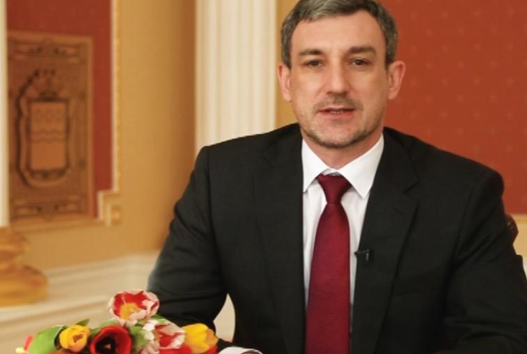 Василий Орлов поздравил амурчанок с Международным женским днем