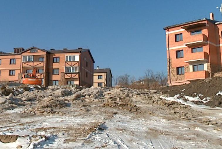 За горку из нечистот в Чигирях управляющую компанию оштрафовали на 250 тысяч рублей