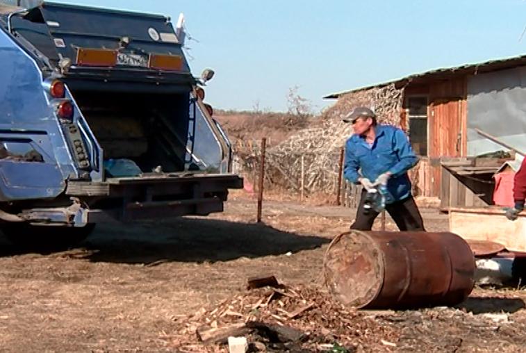 В селах Приамурья тестируют новую систему обращения с мусором