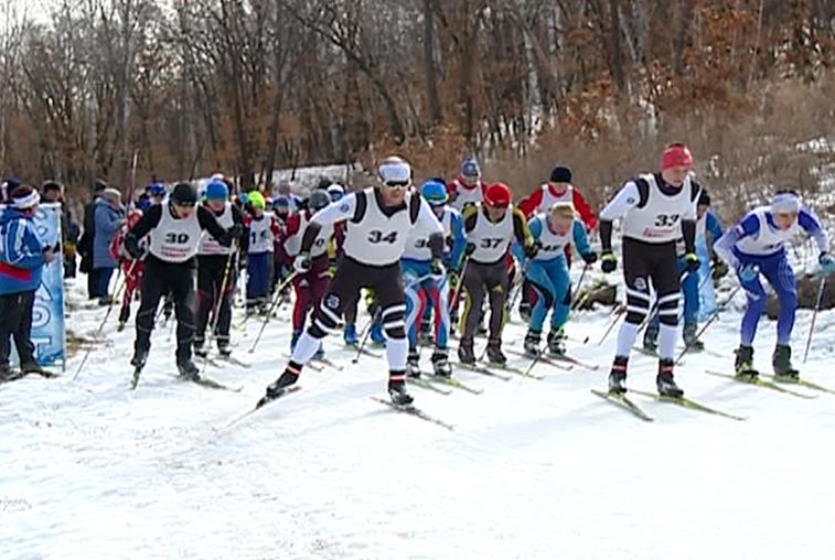 На закрытии лыжного сезона в Благовещенске разыграли путевку на областной турнир