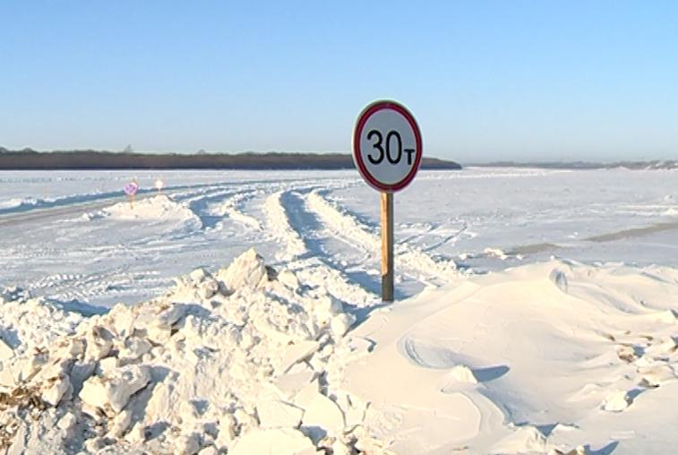 Международная ледовая переправа закрылась в Михайловском районе