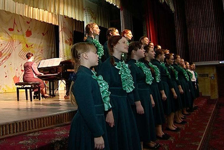 Битву хоров устроили в Амурском колледже культуры