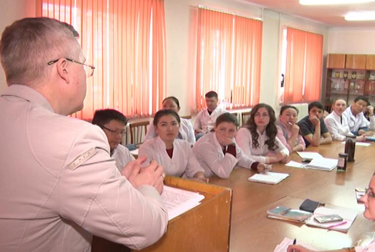 Будущим выпускникам Амурской медакадемии предлагают работу на другом конце страны