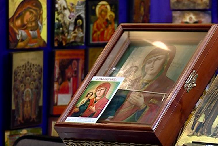 Иконы, ювелирные украшения, постный шоколад: православная выставка гостит в Благовещенске