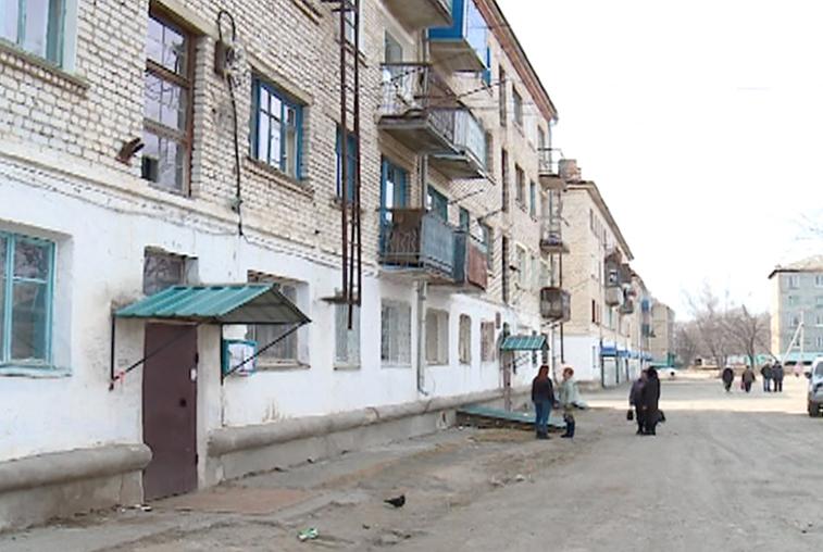Жители дома в Прогрессе, где рухнул балкон, боятся за свои жизни