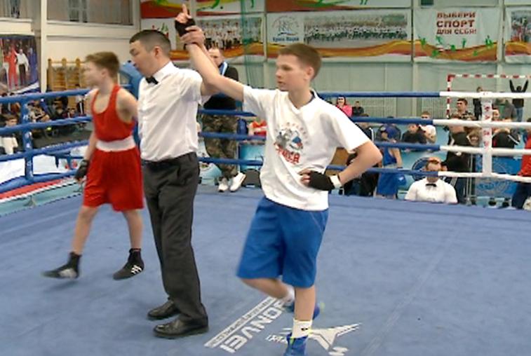 Двое юных амурских боксеров завоевали путевку на первенство России
