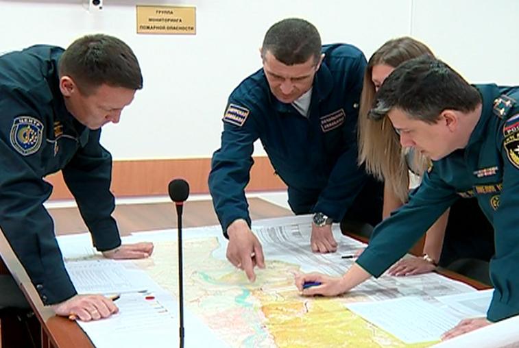 Оперативный штаб по тушению лесных пожаров в Приамурье обрабатывает до сотни звонков в день