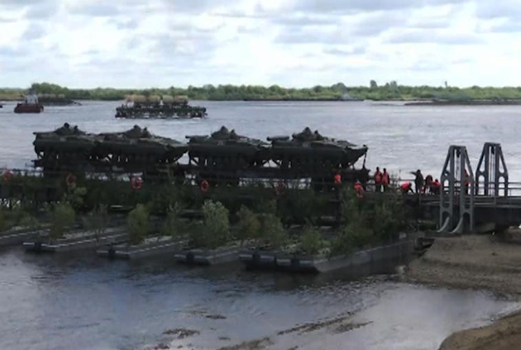 Амурские военные выиграли профконкурс по установке мостов
