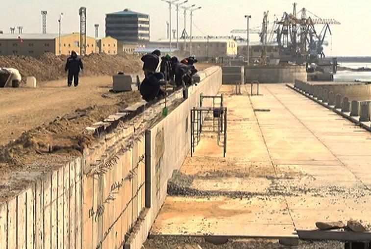 1220 метров набережной Амура отделают привезённым из Хэйхэ гранитом