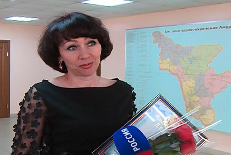 Медсестра с 21-летним стажем победила в конкурсе профмастерства в Благовещенске