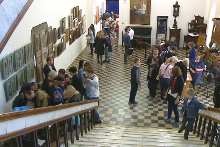 Сотни жителей и гостей амурской столицы поддержали всероссийскую акцию «Ночь музеев»