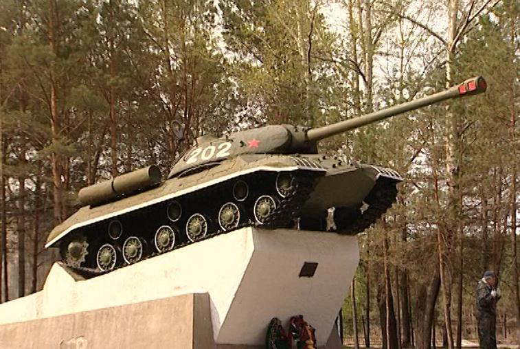 14 муниципалитетов получат деньги на ремонт военных памятников