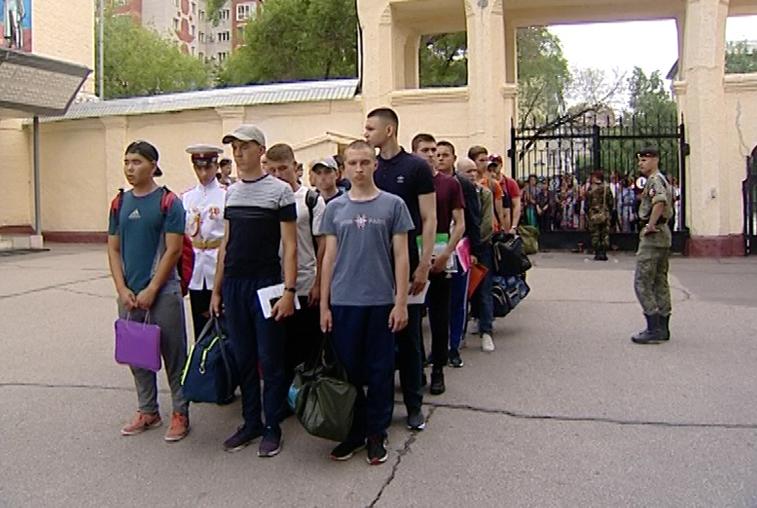 Свыше 800-т желающих съехались со всей страны чтобы поступить в ДВОКУ