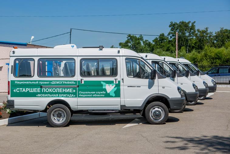 Для перевозки пенсионеров в медицинские учреждения куплено 10 специализированных машин