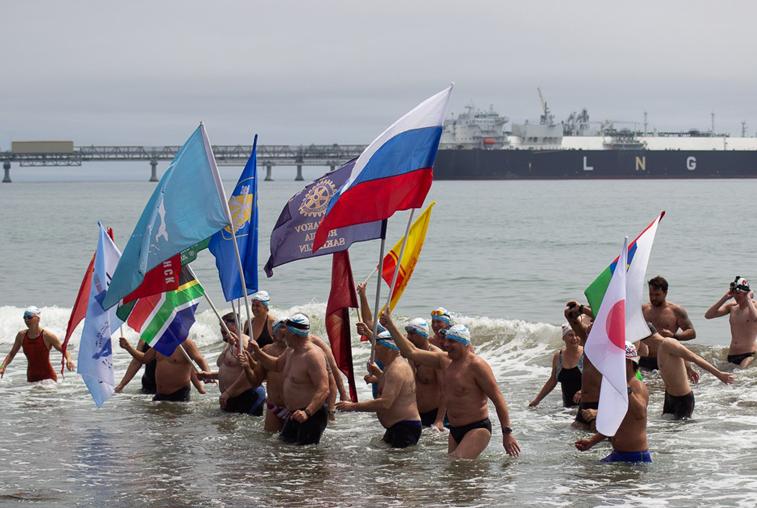 Спортсмены-экстремалы заплыва Сахалин – Хоккайдо преодолели пролив Лаперуза